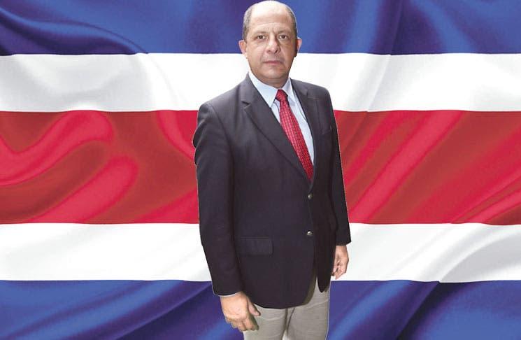Gobierno de Solís ha buscado el centro político en 2014