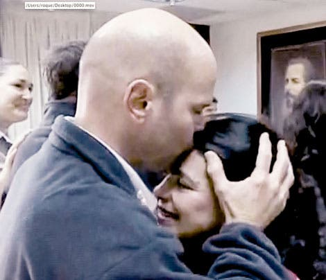 El embarazo de la esposa del agente preso en EE.UU. 16 años conmueve a Cuba