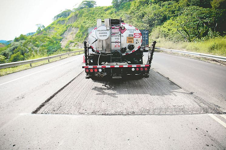 Créditos externos impulsarán obra vial en 2015