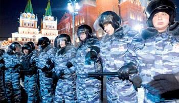 Más de 100 opositores rusos detenidos en protesta