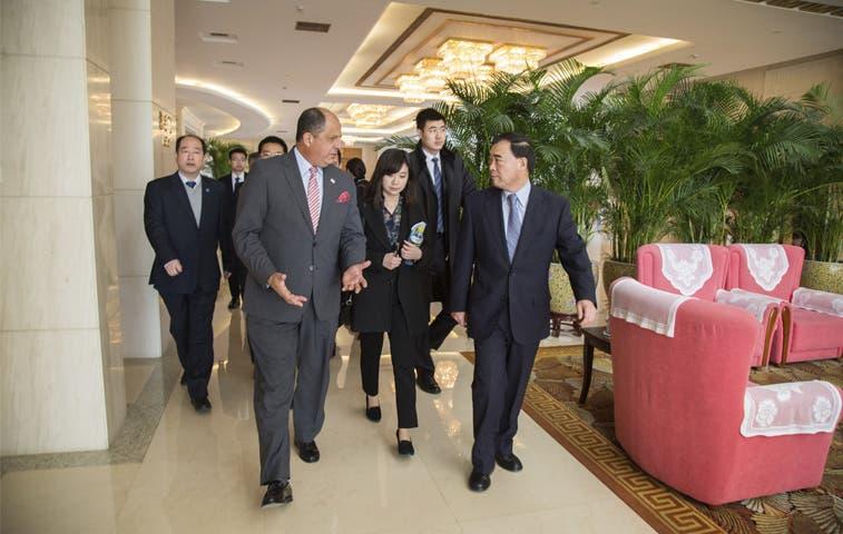 Solís viaja a Tianjin para analizar zona económica especial