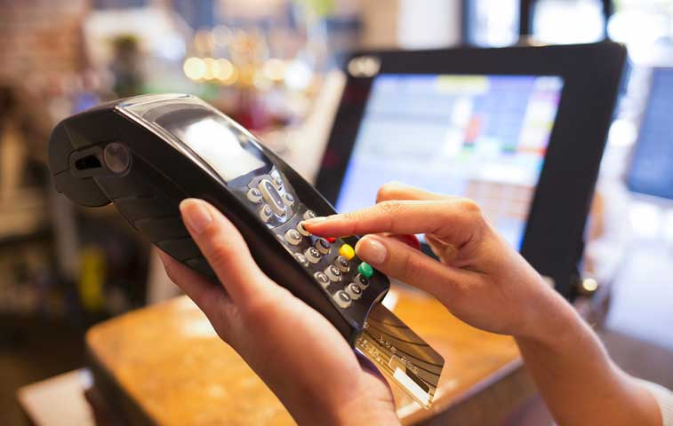 Vía libre para retención del 2% a pagos con tarjeta