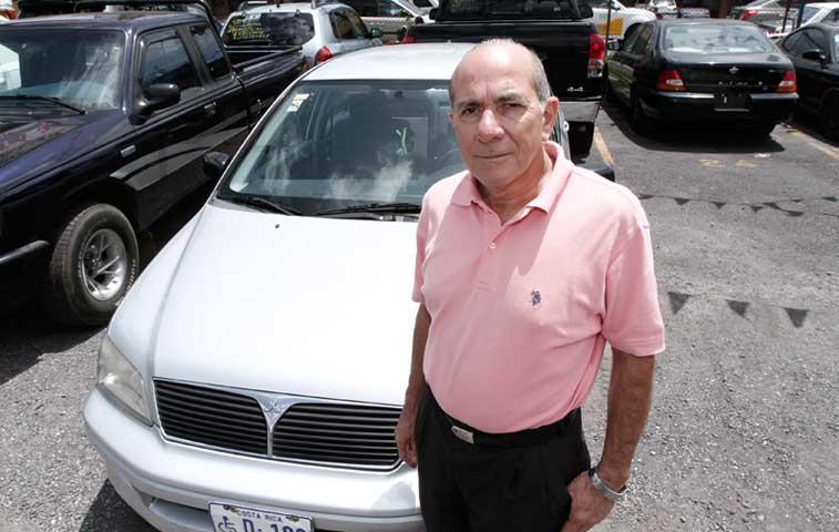 Alertan de estafa con cheques en ventas de autos
