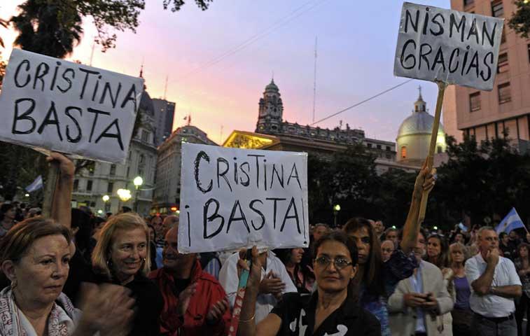 Argentinos se manifiestan para pedir verdad sobre caso Nisman