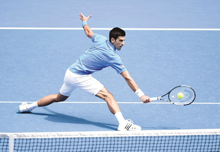 Djokovic con autoritario debut