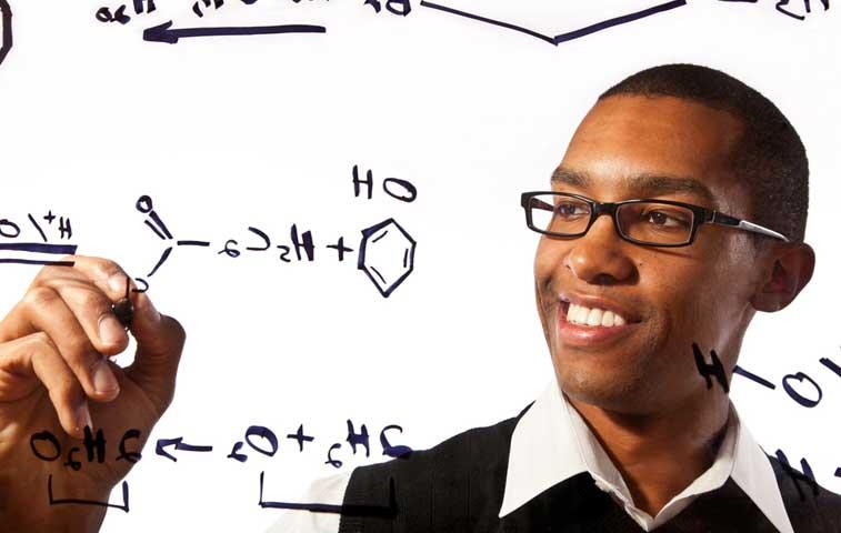 BID financia programa de becas para posgrados de ciencia y tecnología
