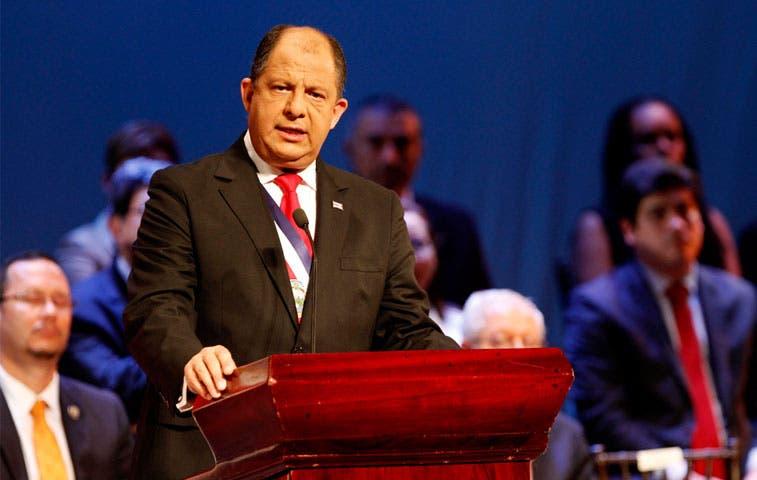Solís ordena cesar a embajadora en Bolivia