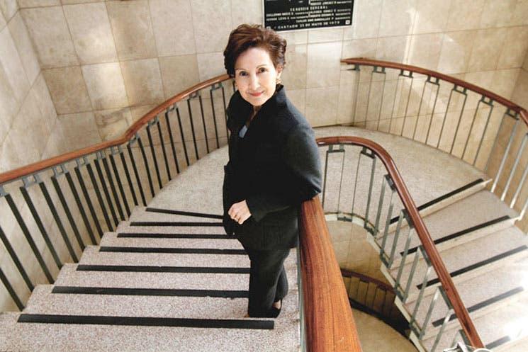 Emprendedora asume presidencia de Bancrédito