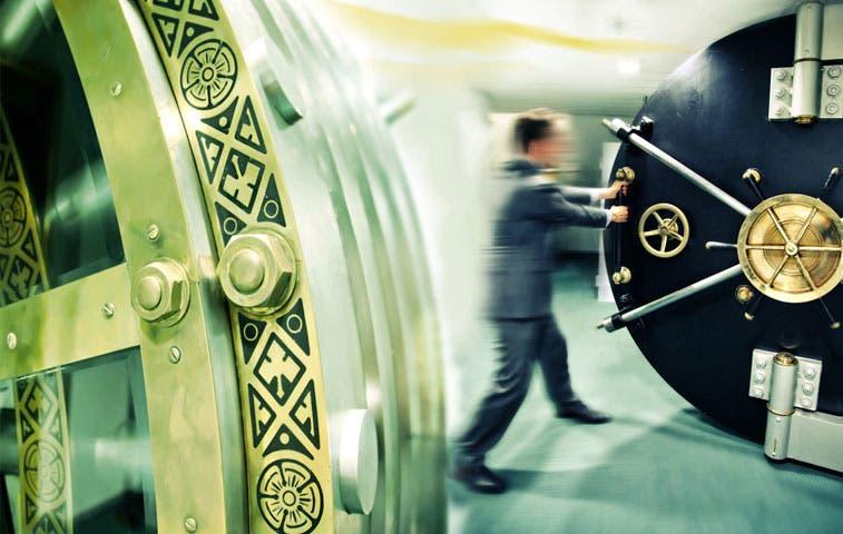 Bancos destinaron ¢100 mil millones en bonificación a sus empleados