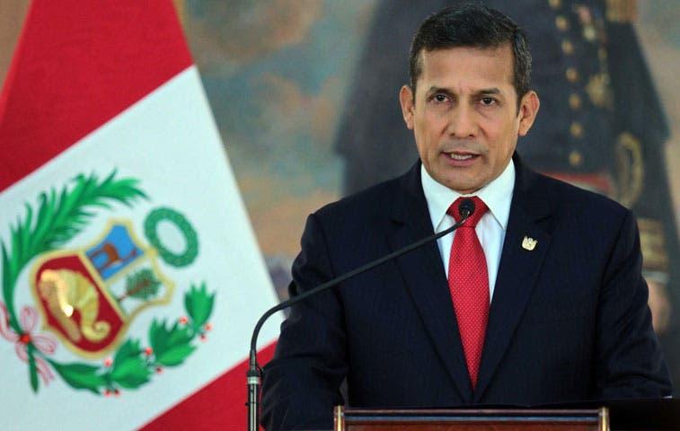 Presidente de Perú cancela participación en cumbre Celac