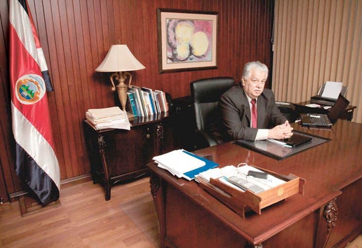 PLN y PUSC se inclinan por salida de Melvin Jiménez