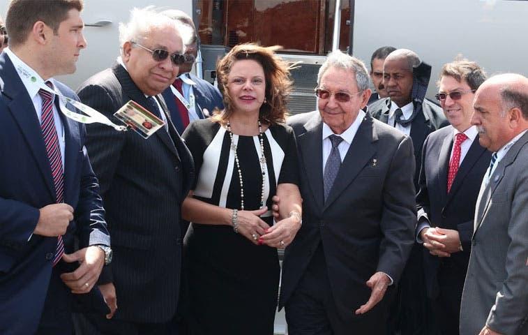Presidente de Cuba ya está en Costa Rica