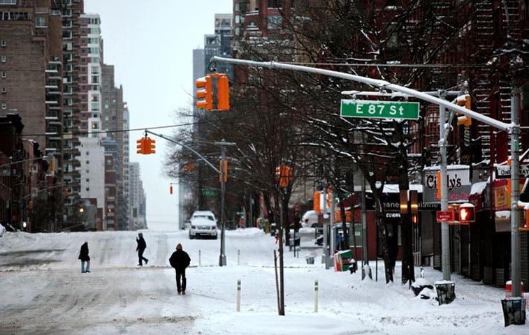 Tormenta tiene a Nueva York inusualmente vacía