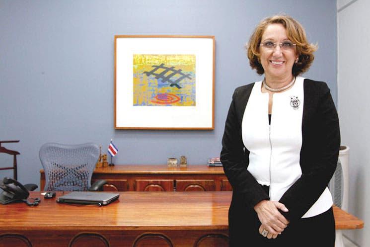 Rebeca Grynspan promoverá becas estudiantiles