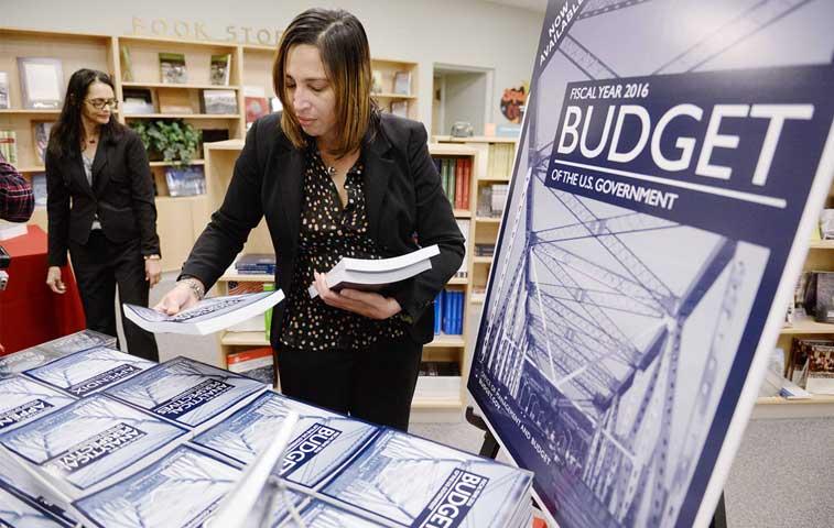 Obama desvelará presupuesto 2016 de casi $4 billones