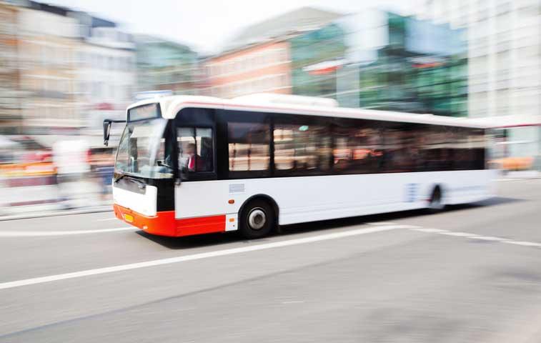 Foro analiza cambio en metodología de tarifas de bus