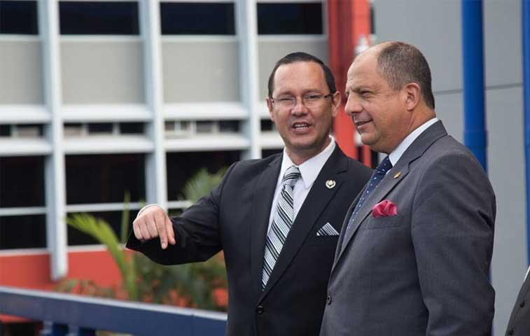Renunció Celso Gamboa como ministro de Seguridad