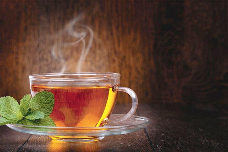 Consumir té le ayuda a mejorar el humor