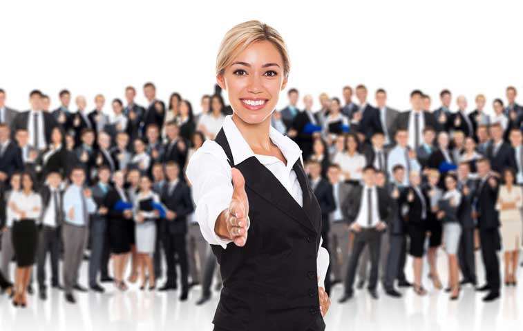 ¿Busca empleo?, feria de U Latina tiene 900 vacantes