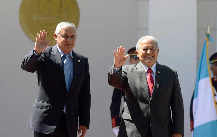 El Salvador y Guatemala acuerdan impulsar unión aduanera
