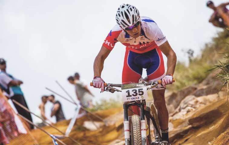 Tico figura en top ten mundial de ciclismo de montaña