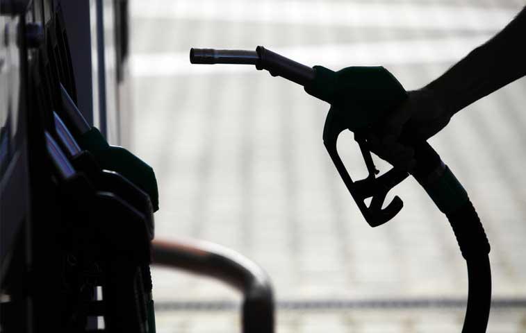 Recope solicita ajuste de 6% más a precio de gasolina