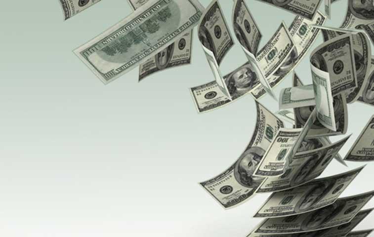 Fitch: Flotación administrada moderaría dolarización de préstamos