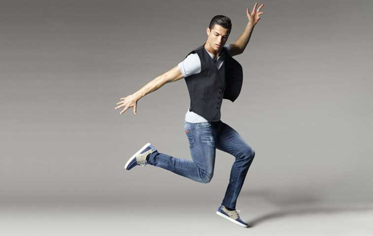 """Marca de zapatos """"Cristiano Ronaldo"""" se promociona en Milán y Las Vegas"""