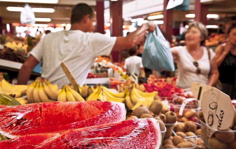 Comerciantes interponen medida cautelar contra Salud y municipio de Limón
