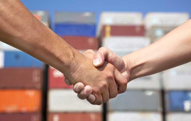 Bogotá y Londres acuerdan aumentar comercio entre sus países