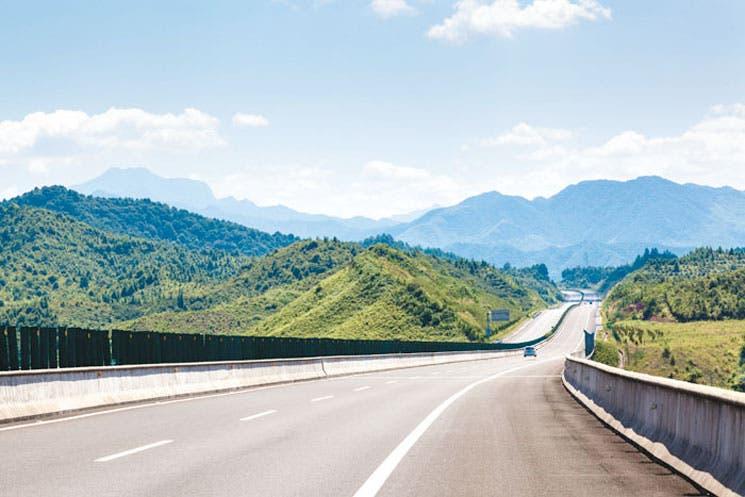 País se arriesga a indemnizar a China y quedarse sin carretera
