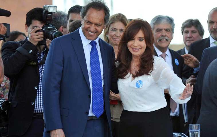 Juez desestima denuncia de Nisman contra presidenta argentina