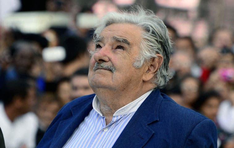 Mujica apela a vida de lucha en último discurso
