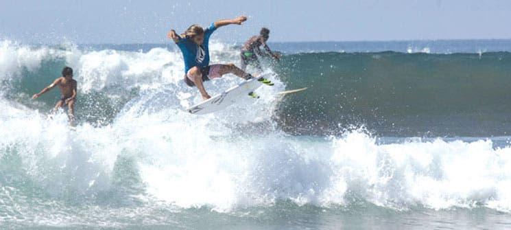 """Otro Muñoz dice """"presente"""" en el surf"""