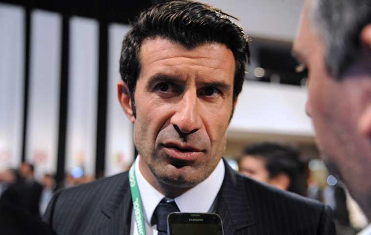 Conmebol podría dar apoyo a Figo para presidir FIFA