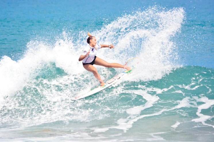 Nacida para surfear