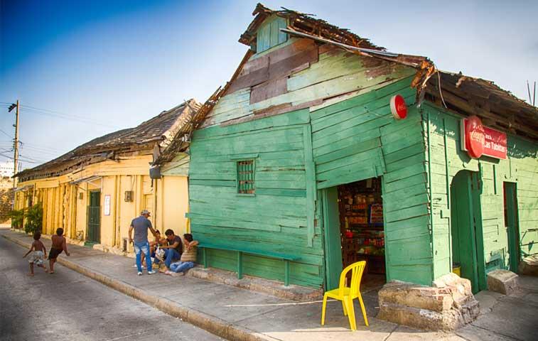 Banco Mundial plantea salidas para combatir pobreza crónica en Latinoamérica