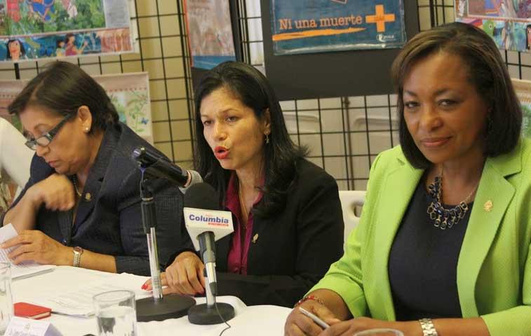 Diputadas crean Bloque de Mujeres Parlamentarias