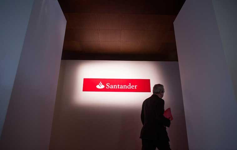 Santander y el Deutsche Bank suspenden test de estrés cualitativos de la Fed