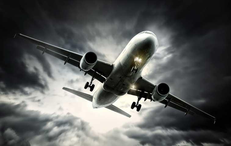 Ocho vuelos fueron afectados por ceniza del Turrialba