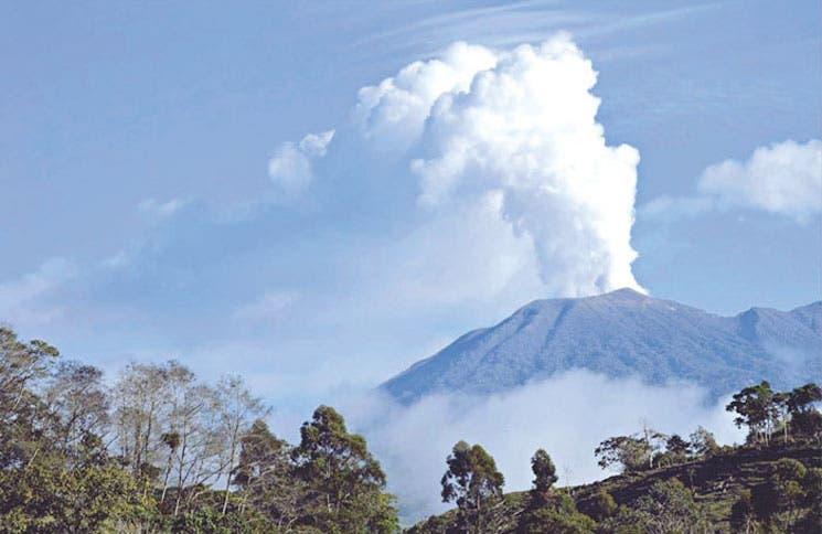 Erupción del Turrialba afectó 56 vuelos en el Juan Santamaría