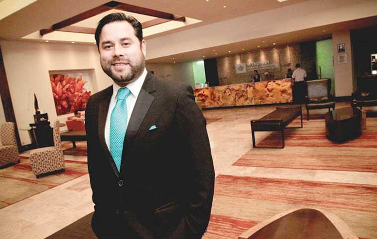 Hoteleros piden plan para no perder turistas por emergencia del Turrialba