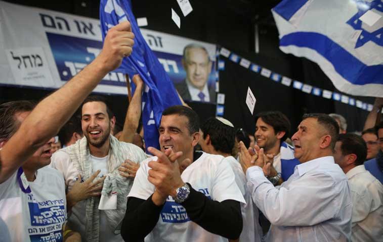 Primeros resultados dan ventaja del 6% a partido oficialista