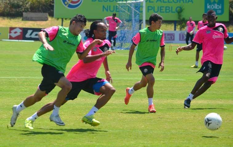 Sele inicia entrenamientos previo a encuentro con Paraguay