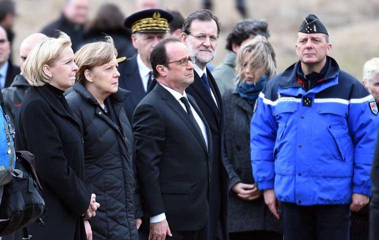 Rajoy, Hollande y Merkel visitaron zona del accidente aéreo