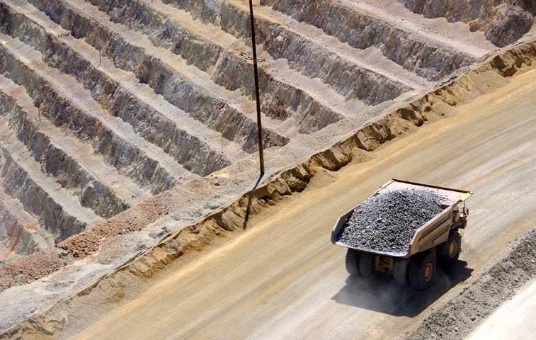 Sala Constitucional exige reglamento para Ley que prohíbe minería a cielo abierto
