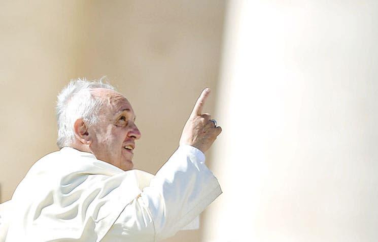 Subastarán iPad del papa Francisco
