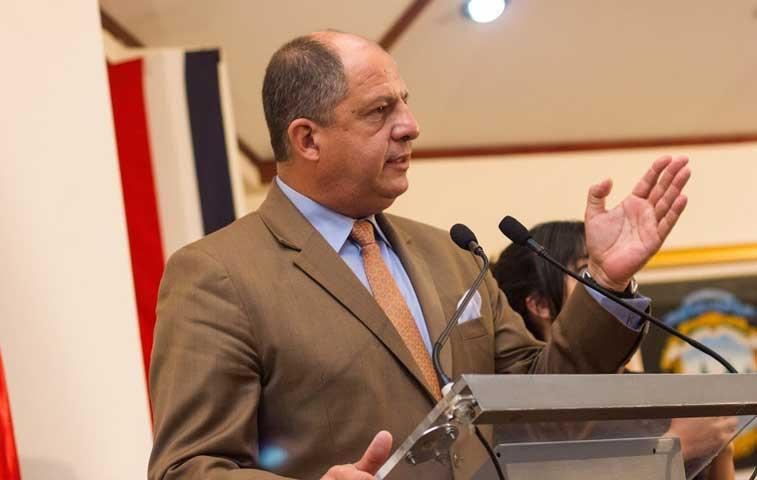 Solís pedirá criterio a OEA para Ley de Radiofusión
