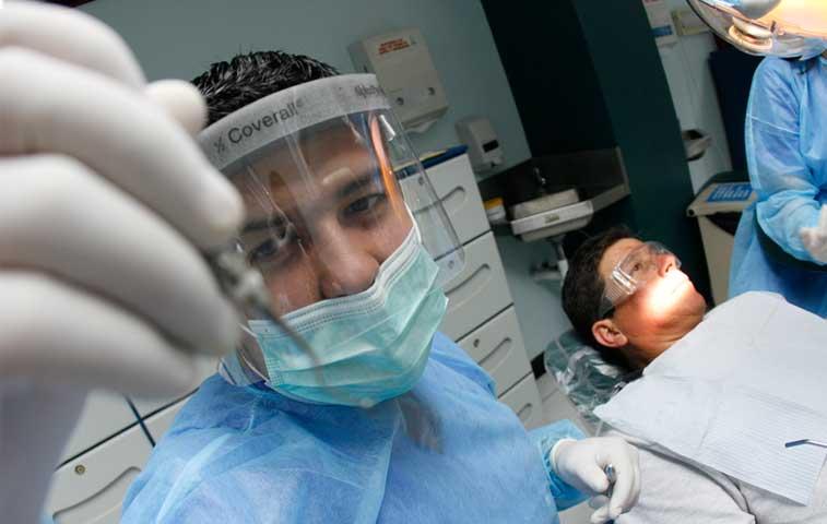 Servicios gratis de salud en Ulacit