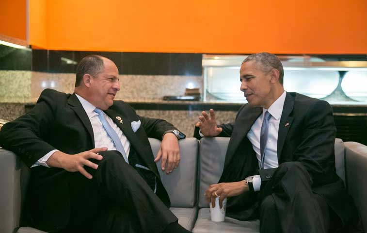 Obama atendió a Solís en Panamá